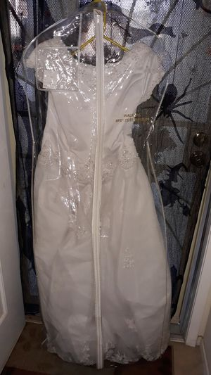 Wedding dress size 18 for Sale in North Las Vegas, NV