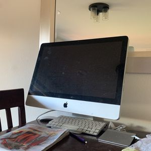 iMac Just Wiped Of All Info Ready To Go for Sale in Snohomish, WA