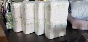 Diapers newborn Pampers brand for Sale in Lynwood, CA