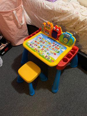 V-Tech Kids desk for Sale in The Bronx, NY