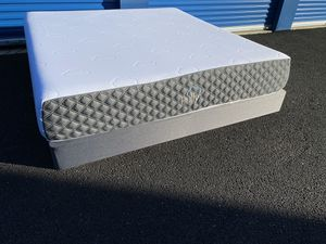 Puffy Mattress ! Puffy Lux ! King Size Bed ! King bed ! Mattress and foundation ! Puffy Lux Mattress ! Free delivery for Sale in Sacramento, CA