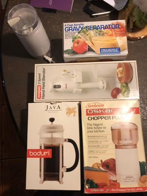 Household kitchen items for Sale in Miami, FL