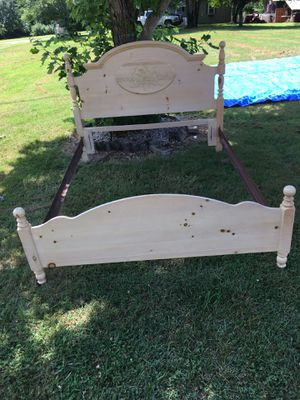 Solid Knotty Pine Queen or Full Size Bed for Sale in Richmond, KY