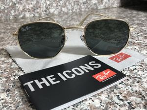 Womens Ray ban sunglasses for Sale in Houston, TX