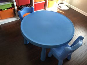 Kids table with two chairs for Sale in Grand Prairie, TX
