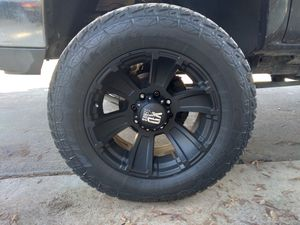 XD SERIES OFFROAD WHEEL AND TIRES 8LUG for Sale in Fresno, CA