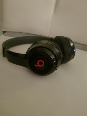 beats by Dr Dre solo wireless headphones for Sale in Las Vegas, NV