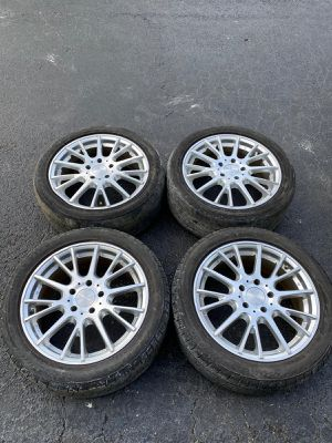 Rims 17 american Racing 5 lugs 114.3 mm for Sale in Davie, FL