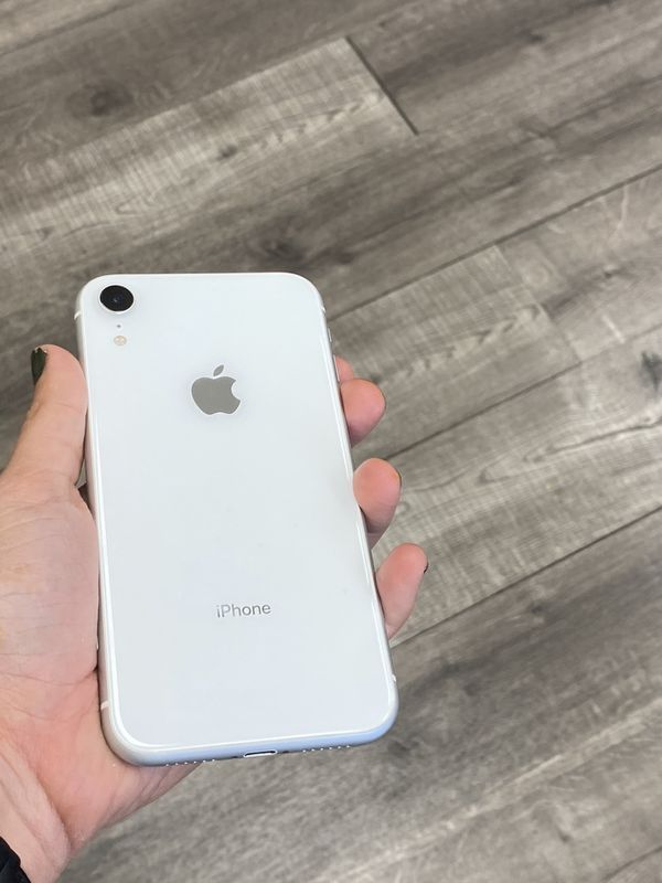 iPhone XR ;; MetroPCS and T-Mobile ( 64GB )