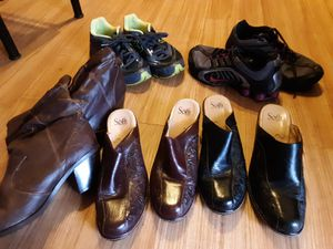 Womens size 9 boots and shoes for Sale in Abilene, TX