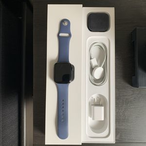 Apple Watch Series 5 for Sale in Kissimmee, FL