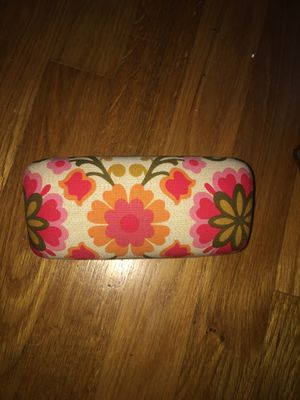 Vera Bradley floral Hardshell sunglass case for Sale in Silver Spring, MD