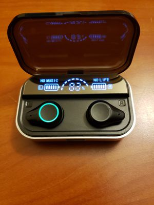 BLUETOOTH WIRELESS EARBUDS for Sale in Rocky River, OH