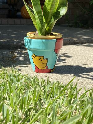 Winnie the Pooh Plant Pot for Sale in Plano, TX