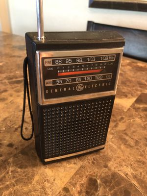VINTAGE GENERAL ELECTRIC GE 7-2500A AM/FM PORTABLE TRANSISTOR Works Perfect for Sale in Gilbert, AZ
