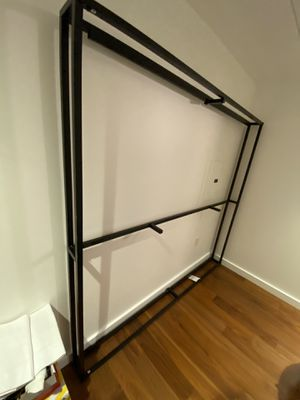 King metal bed frame for Sale in San Francisco, CA