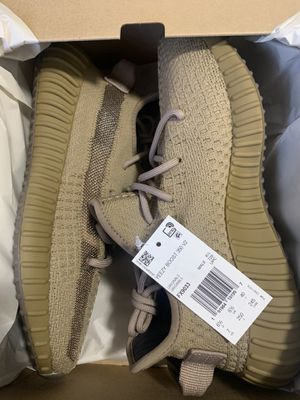 Yeezy 350 earth size 9 for Sale in The Bronx, NY