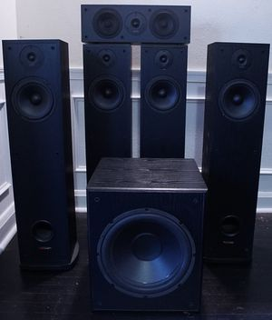 Polk r30 speakers plus center speaker and element subwoofer for Sale in Baltimore, MD