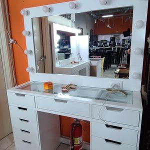 Vanity Set for Sale in Claremont, CA