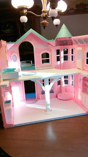 Barbie doll house for Sale in Waukegan, IL - OfferUp