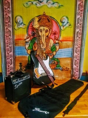 Guitarist's Combo Pack (Great Deal) for Sale in Mesa, AZ