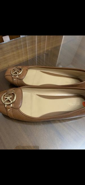 Shoes Michael kors size 9 and half 100% AUTHENTIC for Sale in Detroit, MI