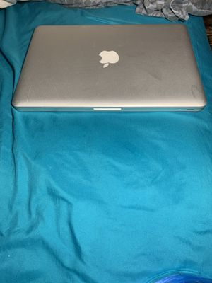 MacBook Pro 2010 for Sale in Valley View, OH