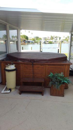 Large 8ft Octagan Hot Tub for Sale in Redington Beach, FL