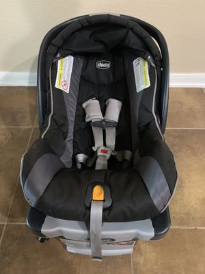Chicco Keyfit 30 Car Seat & Base for Sale in Austin, TX