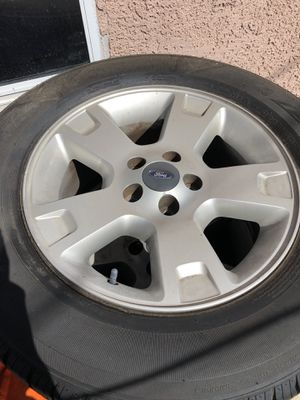 Ford Explorer rim and tires for Sale in Long Beach, CA