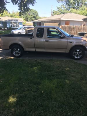 FORD F-150 Ext cab V6 4.2 5 speed manual. 3 Door A/C. Power windows/ Cruise control for Sale in Merced, CA