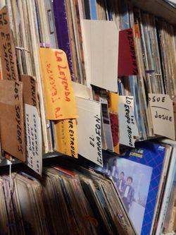 Spanish Vinyls for Sale in Fresno,  CA