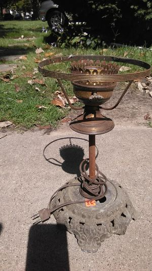 Antique lamp for Sale in Detroit, MI