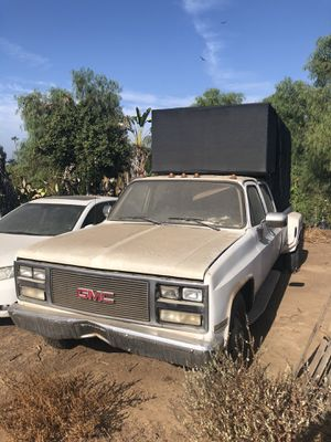 Parting out 1990 GMC R35 dually for Sale in Riverside, CA