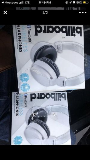 $15 Bluetooth headphones 🎧 for Sale in Moreno Valley, CA