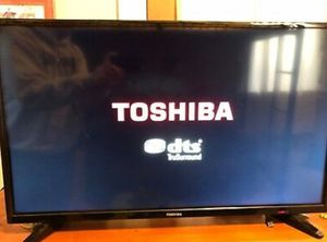 Toshiba 32 inch tv for Sale in Washington, DC