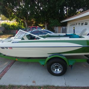 1976 Glastron V-178 With Outboard Evinrude Motor for Sale in Las Vegas, NV