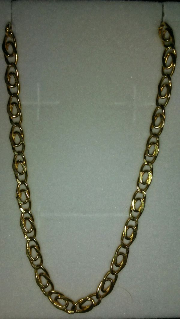 Beautiful! 18 carat gold chain.