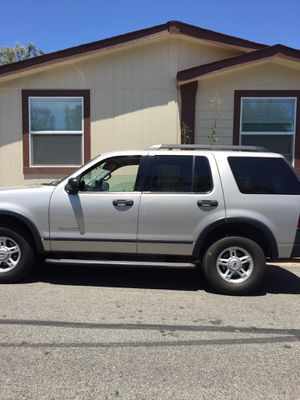 Ford Explorer advancetrac low miles for Sale in San Marcos, CA