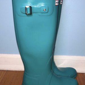 HUNTER Women teal high rain boots size 7/Botas de lluvia para mujer talla 7 for Sale in Berwyn, IL