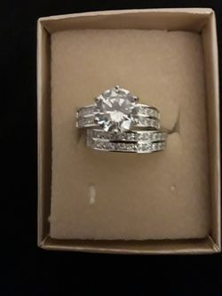 Women's Wedding Engagement Ring Set Size 9 for Sale in Fort Lauderdale,  FL