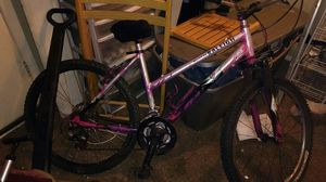 Girls Mojave 2.0 raliegh mountain bike for Sale in Denver, CO