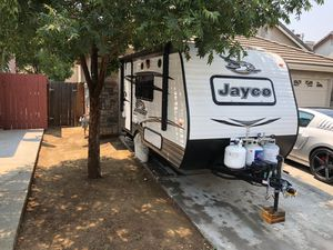 Jayco Jayflight 145RB SLX RV - Excellent condition for Sale in Fresno, CA
