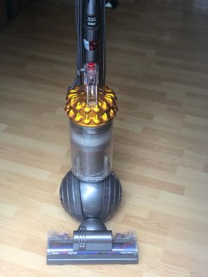 Dyson Vacuum Cleaner for Sale in Morrisville, NC