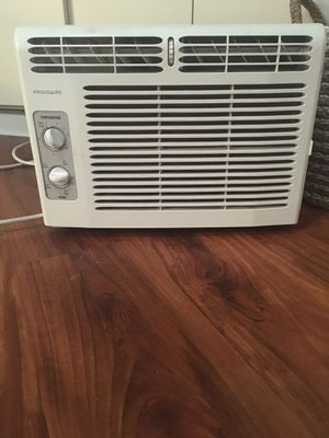 Frigidaire ac unit. for Sale in Everett, WA