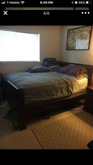 Queen bedroom suite for Sale in Spring, TX
