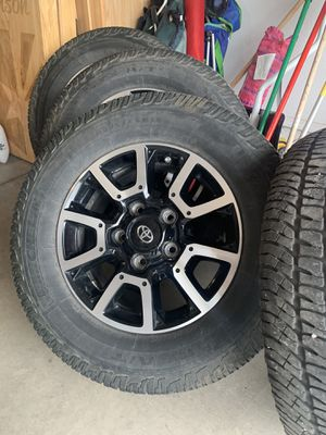 18 inch rims and stock 275 AT tires for Sale in Payson, AZ