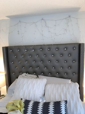Upholstered Glam and Glitz Bed for Sale in Normal, IL