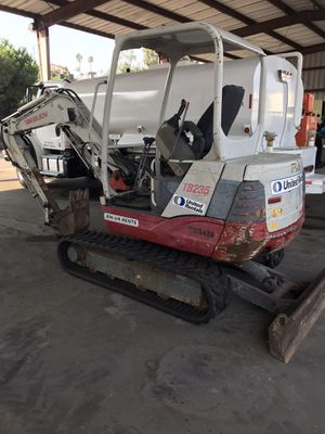 Mini Excavator 2013 Takeuchi for Sale in San Diego, CA