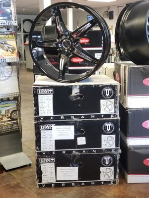 "22"" 22x8.5 Wheels +35 5x114.3 Rims Black Chrome Tires Available Nissan Ford Honda Acura Kia Hyundai Chevy Toyota for Sale in Bellflower, CA"